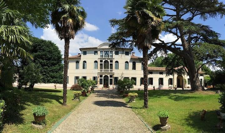 """Camera privata a Venezia Villa Malvolti """"Il Conte"""""""