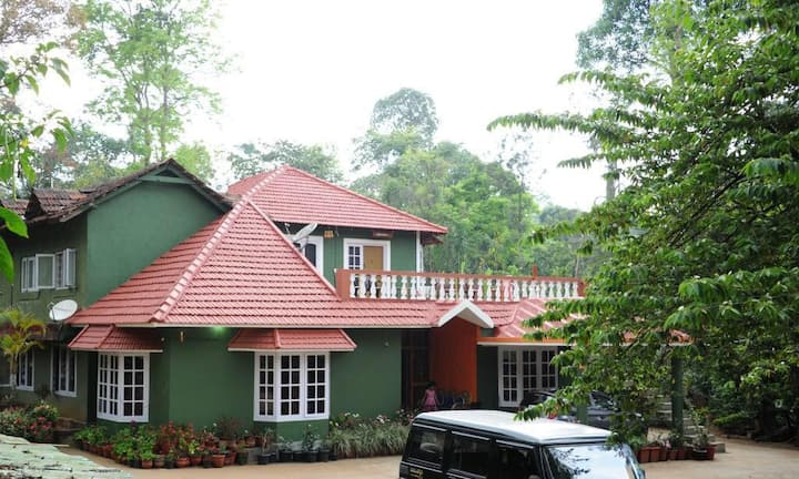 Holidayincoorg Chilipili Estate stay for Group