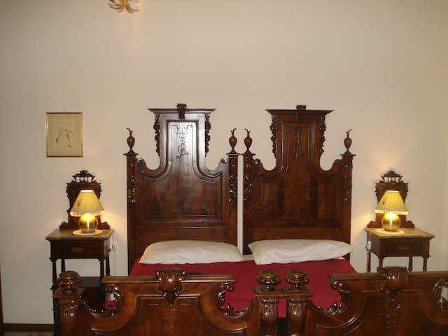 Double room with private bathroom - Iglesias - Villa