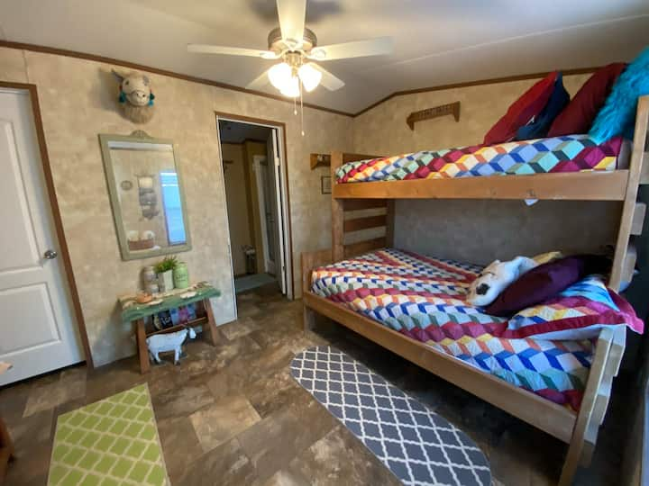 Farmhouse B - The Fleecy Friends Room