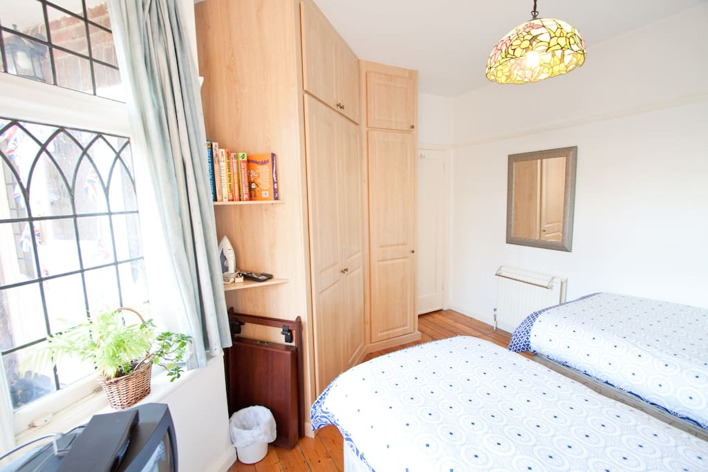 great quirky twin room in wimbledon chambres d 39 h tes