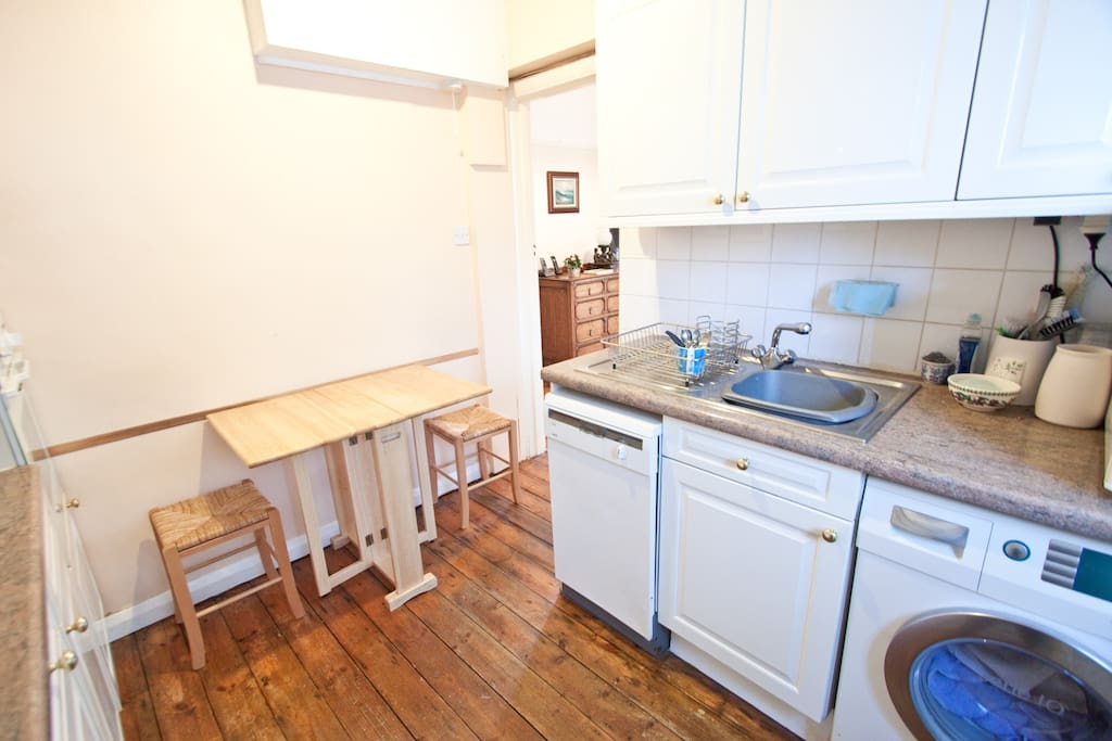 Great Quirky Twin room in Wimbledon