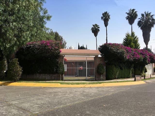 CASA ENTERA MÍNIMO 15 DÍAS COLONIA LAS ARBOLEDAS - Ciudad López Mateos - Talo
