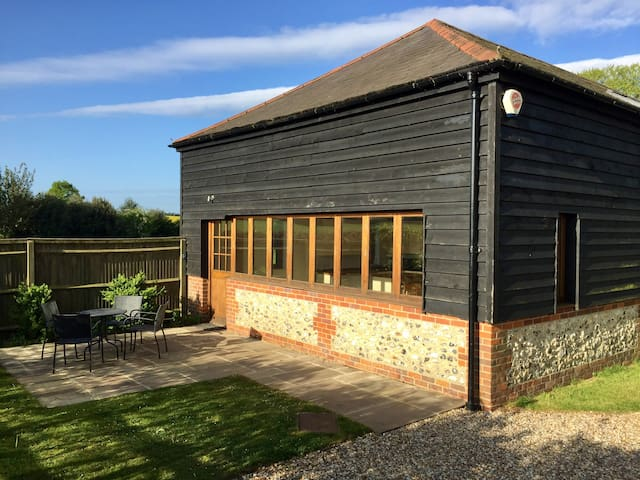 Annexe Mulberry Barn  (4 guests)