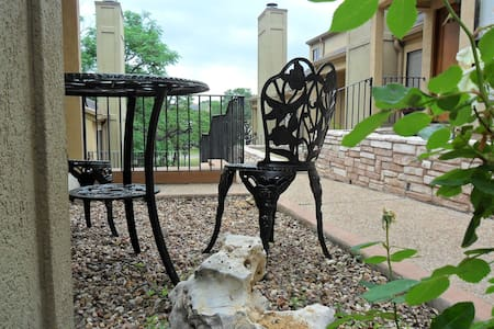 Boutique Home... walk to Downtown - Austin - House