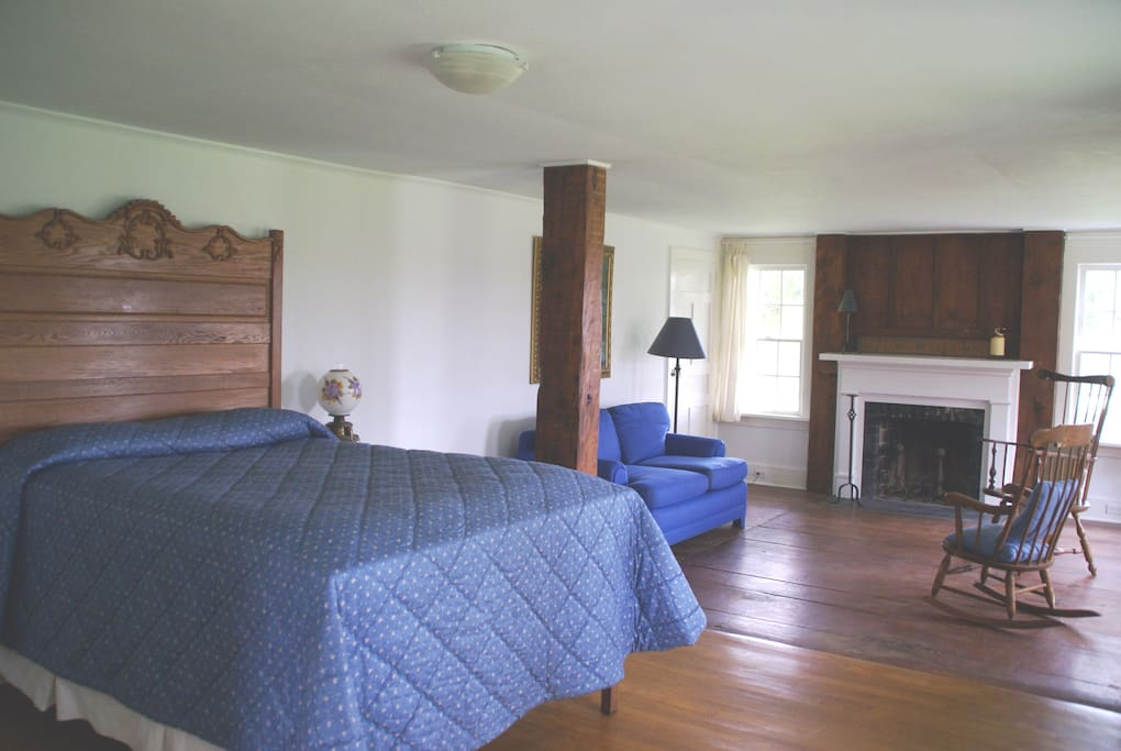 Master downstairs bedroom- double bed