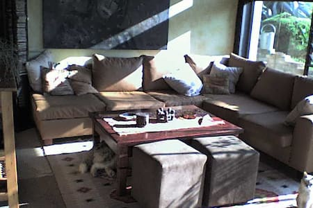 2 Bed house, sleeps 6 incl breakfas - Johannesburg - Bed & Breakfast