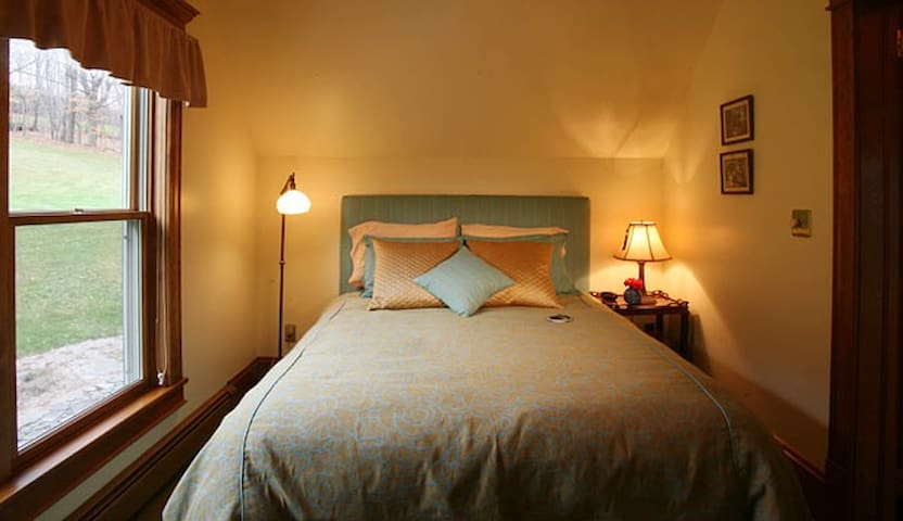 The Suite at Breezy Hill B&B - Fleischmanns - Bed & Breakfast