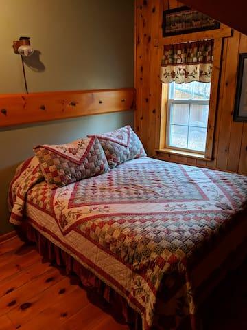 2nd level bedroom, queen bed