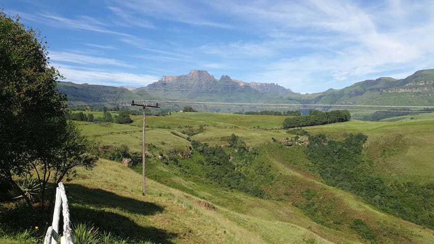 Exceptional view over the Drakenberg.