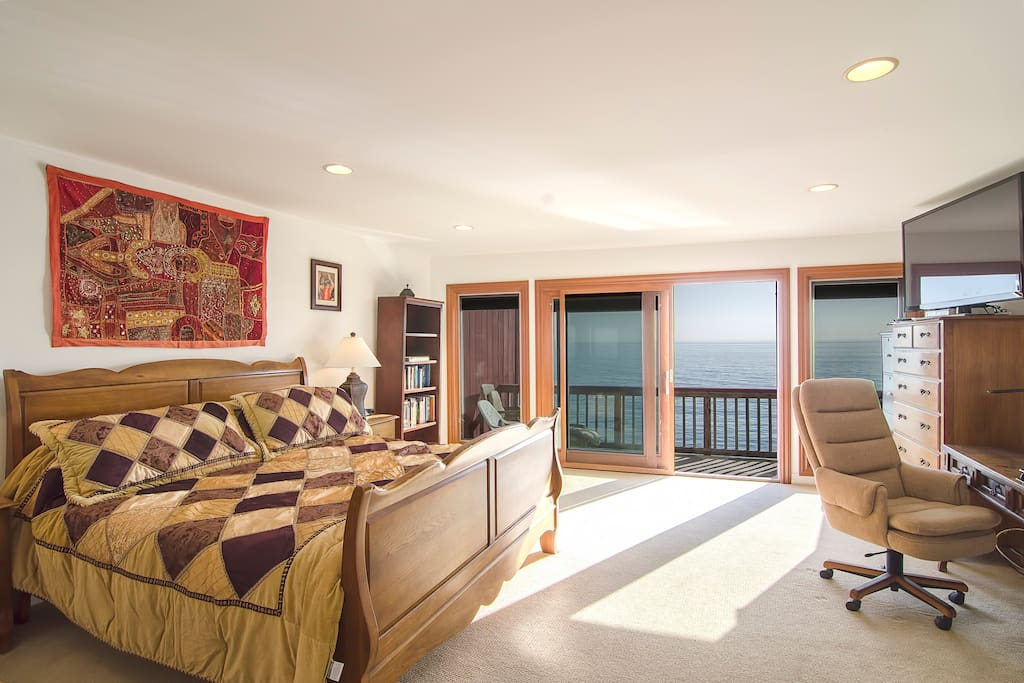 What a view of the ocean or the 55inch Samsung High Def Flat Screen!