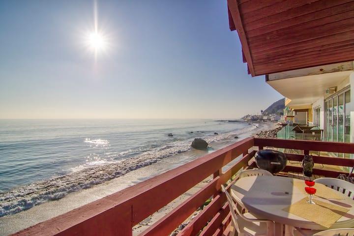 Isolate in Paradise! Oceanfront Hot Tub, Subzero!
