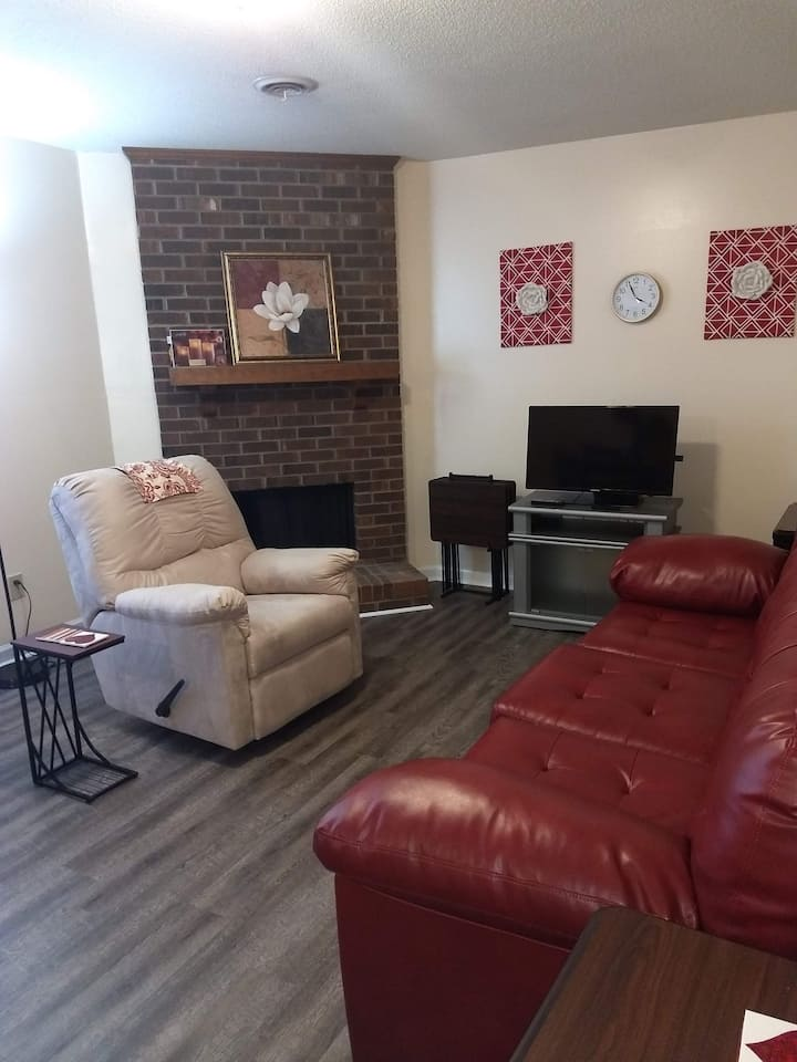 Monthly Master Bedroom & Bath private unit Darden