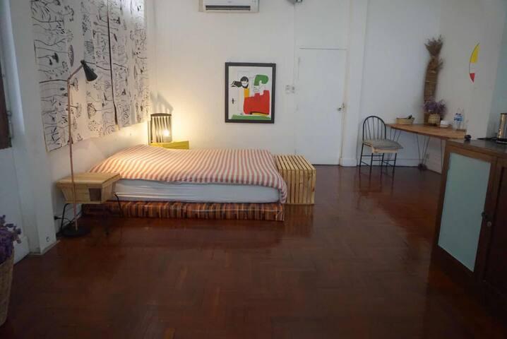 [2+4] ThaPhaeGate 2 Rooms W/ Super Big Beds & Bath