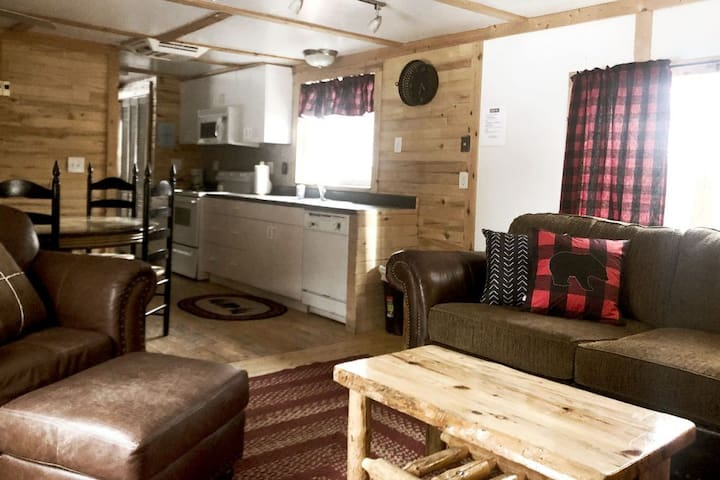 Kodiak Cabin at Hoovers River Resort