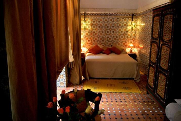 Chambre privée Riad coeur de Rabat - Rabat - Bed & Breakfast