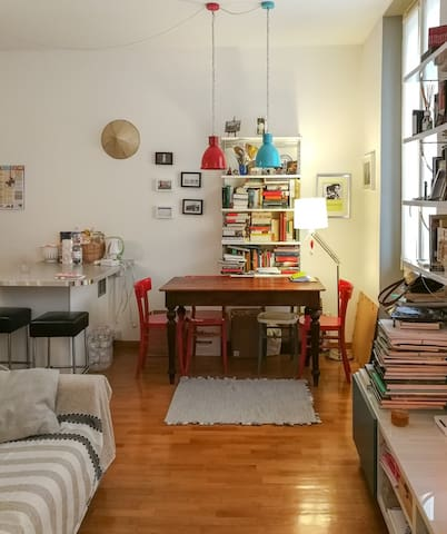Cozy and comfortable Milanese flat, 1 min to Metro