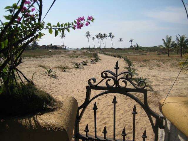 Awesome Beach Villa in Goa - Colva