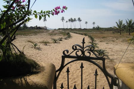 Awesome Beach Villa in Goa - Colva - Byt