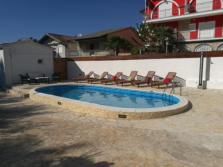 Two bedroom apartment with terrace Vodice (A-4231-a)