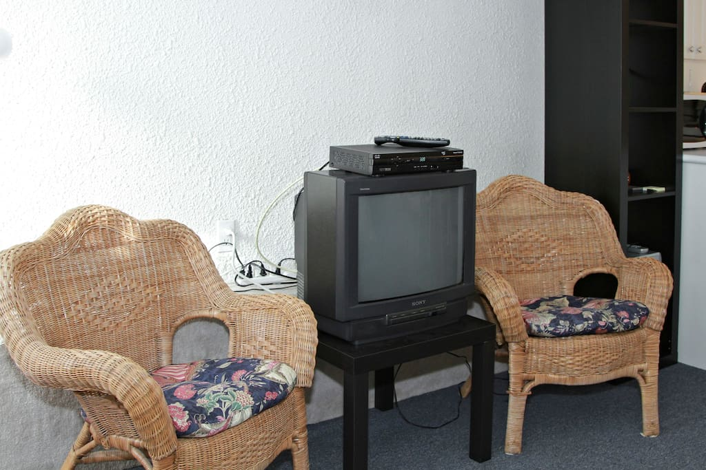 TV, Chairs, Living Room