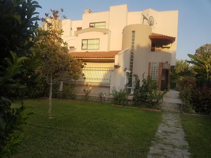 Urla'da site içerisinde aile evi