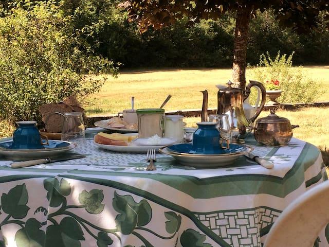 Suite privée et breakfast dans un Château du XVIe