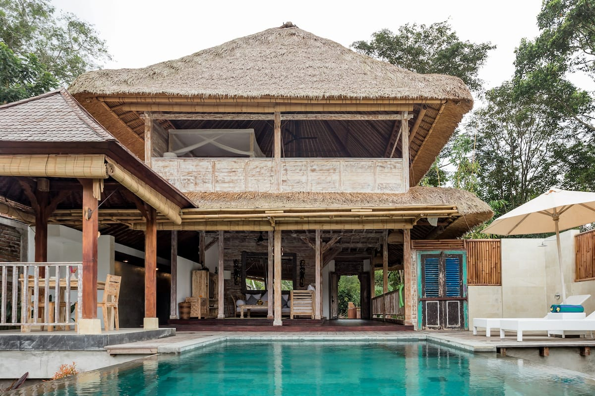 Tropical Hideaway Villa with an Infinity Pool in Ubud
