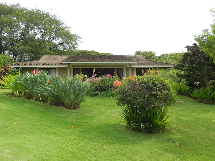 Kihei Bungalow Keawakapu Beach Houses For Rent In Kihei Hawaii United States