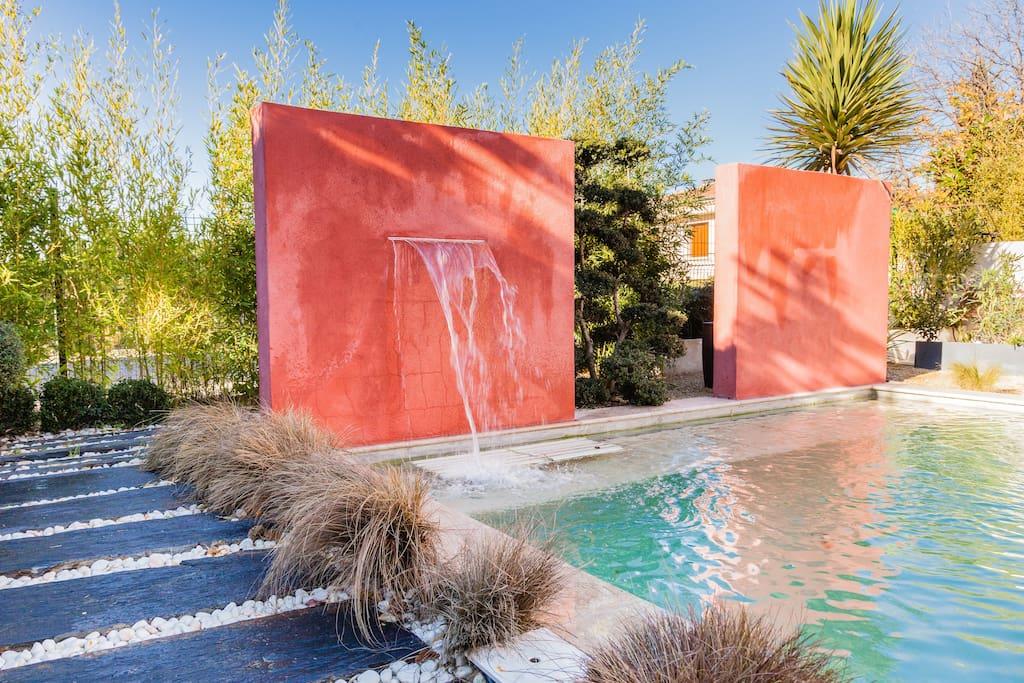 Villa avec piscine centre ville aix villas louer aix for Piscine miroir aix en provence
