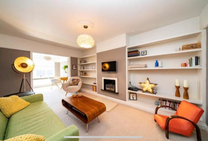 Stylish flat with roof terrace in Berko centre