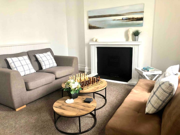 Flat 2, 16 Glanmor Cres (Bryn's Place)