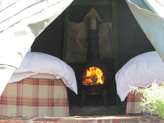 PRIVATE RIVER'S EDGE ROMANTIC CAMP - Hereford - Tenda Tipi