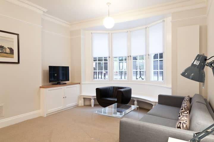 Two Bedroom Apartment - Bloomsbury
