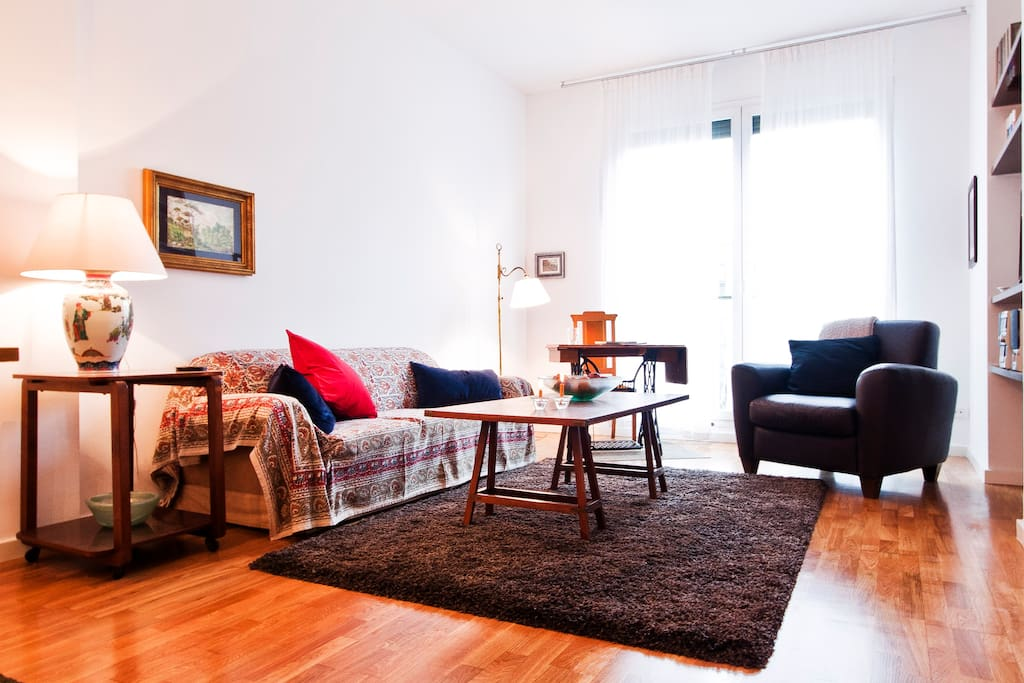 Rambla catalunya central apartment apartments for rent for Central apartments barcelona