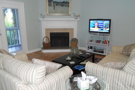 Lovely Furnished Condo across from Beach - Ponte Vedra