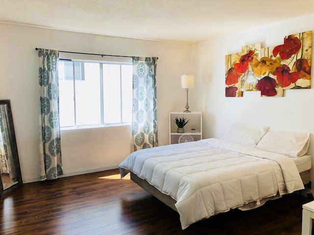Spacious Master Bedroom, Best of Santa Monica!