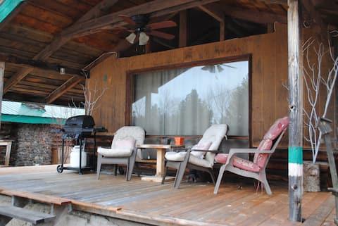 BET-CHA-WANA STAY Moose cabin