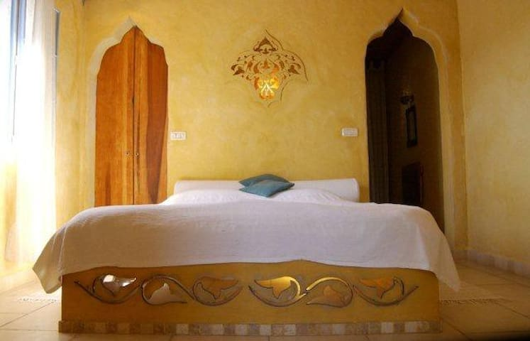 ArtRest 2 suites @ Artists village - Ein Hod - Bed & Breakfast