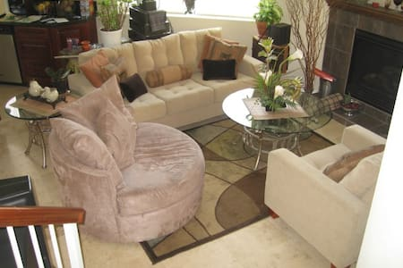 3 Bedroom TownHome To Share Upscale - Inglewood - Casa
