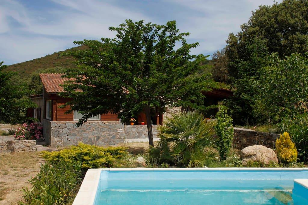 Bergerie en pierre avec piscine houses for rent in for Piscine 9eme