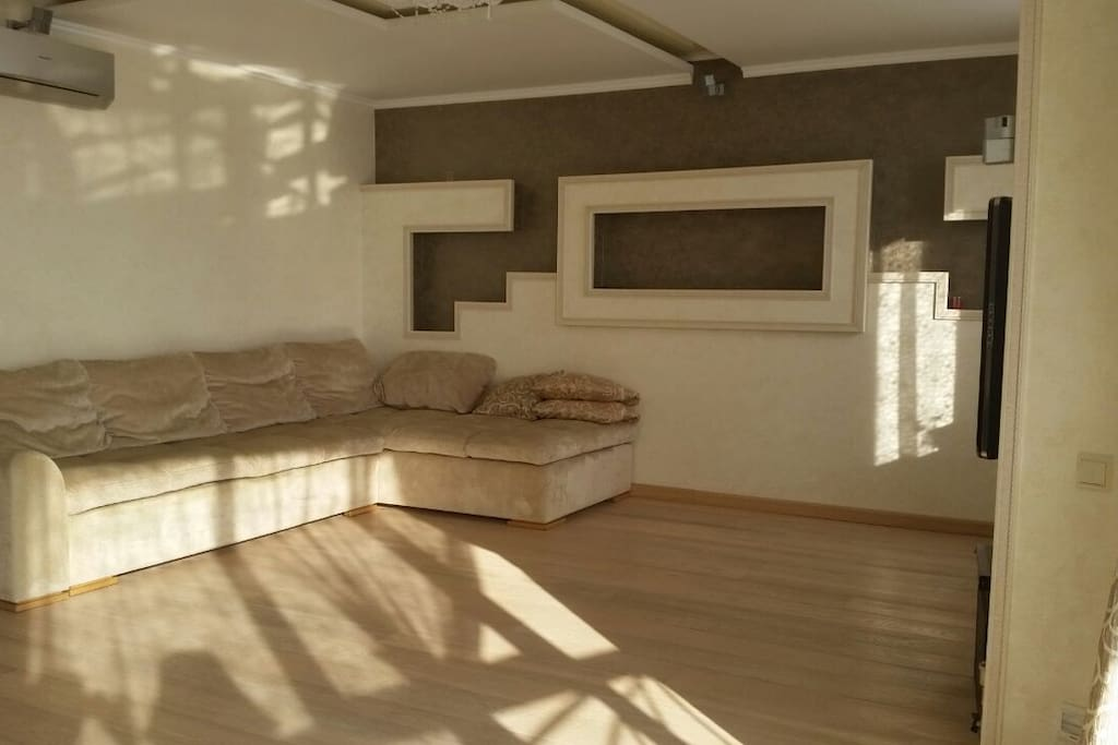Open and free space in living room.