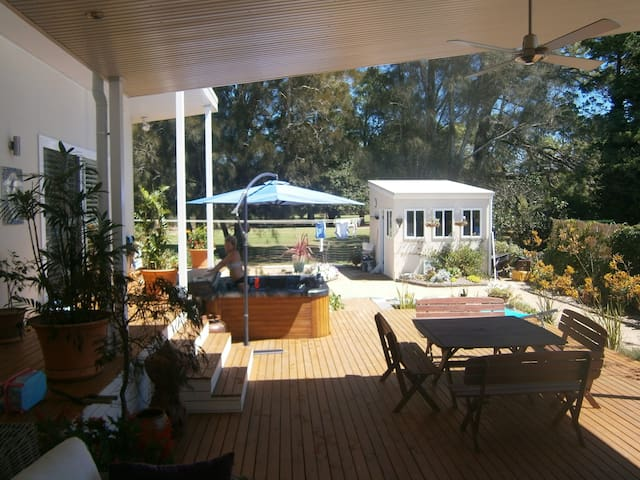Book the Master double bedroom - Batemans Bay - บ้าน