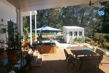 Book the Master double bedroom - Batemans Bay