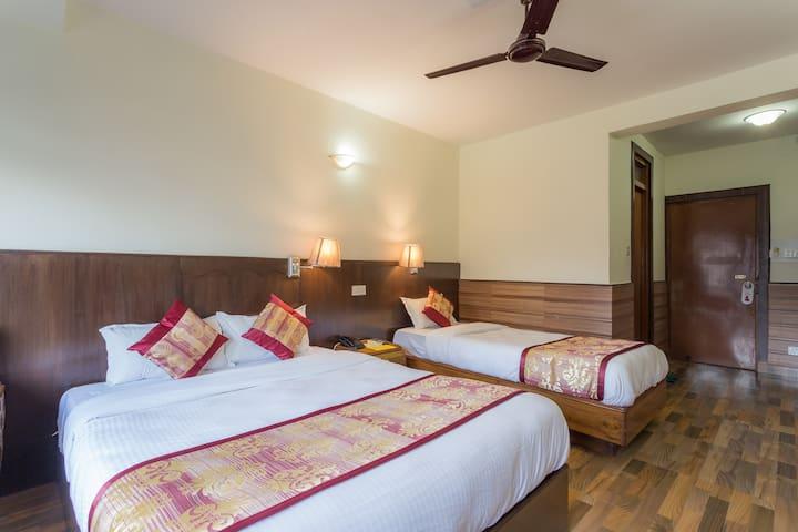 Tulsi Pokhara - Pokhara - Bed & Breakfast