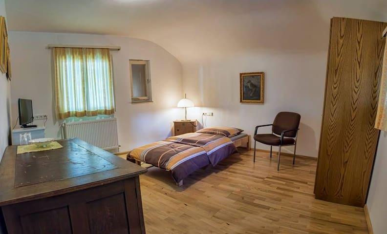 Jagdhaus Renningen Zimmer Herbert - Renningen - Rumah