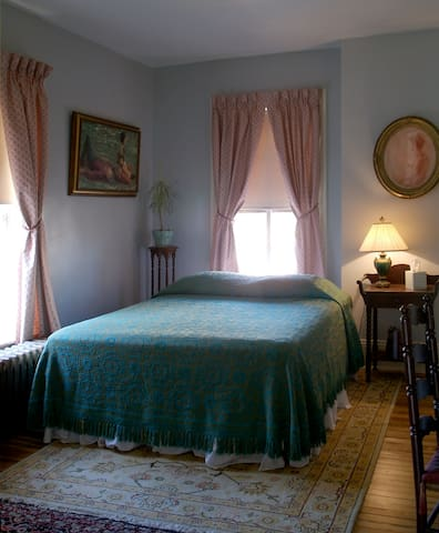 Beautiful Room w/EnSuite Bathroom - Newburgh - Bed & Breakfast