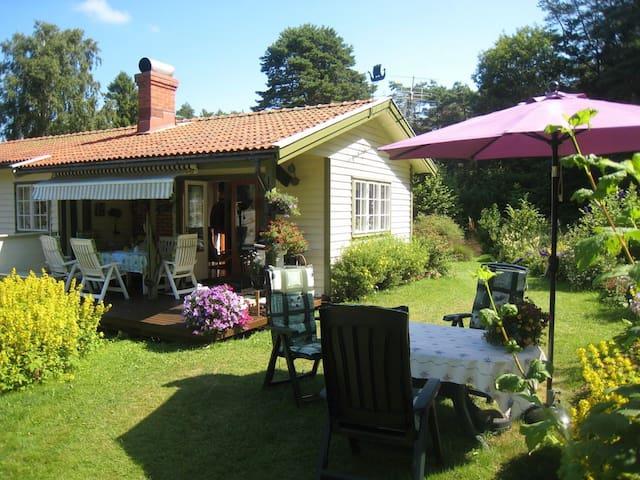Syd-koster, sommerhus sentralt plassert på øya