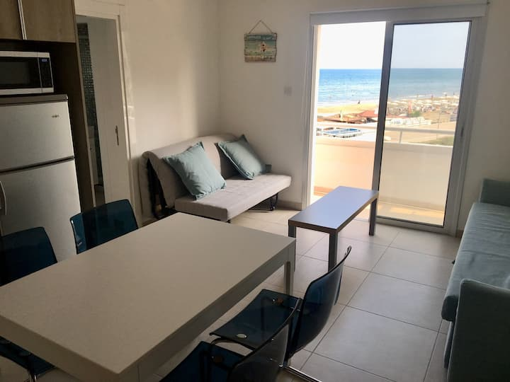 2 Balconies, 25 metres to sandy beach, refurbished