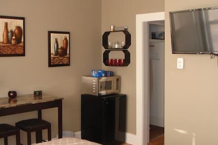 Valentine street airbnb - Westbrook - 公寓